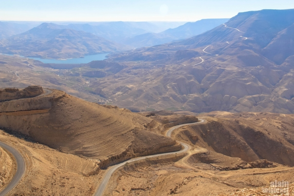 The ancient King's highway through the southern wilderness of Jordan (photo: Jordan Travel)